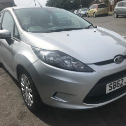 Ford Fiesta Photo 1